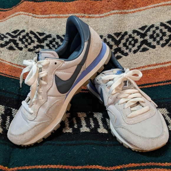 Nike Vintage Collection Air Pegasus  83 Sneakers. M 5ac044d08af1c5b1b22d279d b604beed07